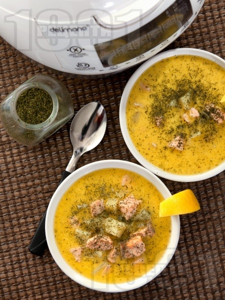 Рибена чорба / супа от филе от сьомга с картофи, сметана и копър в Делимано Мултикукър - снимка на рецептата